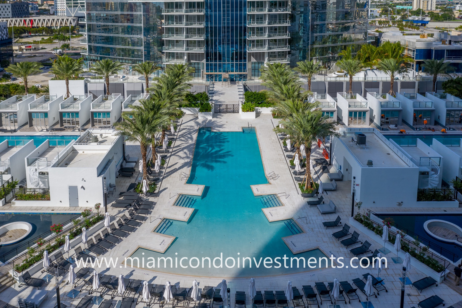 Paramount Miami pool deck