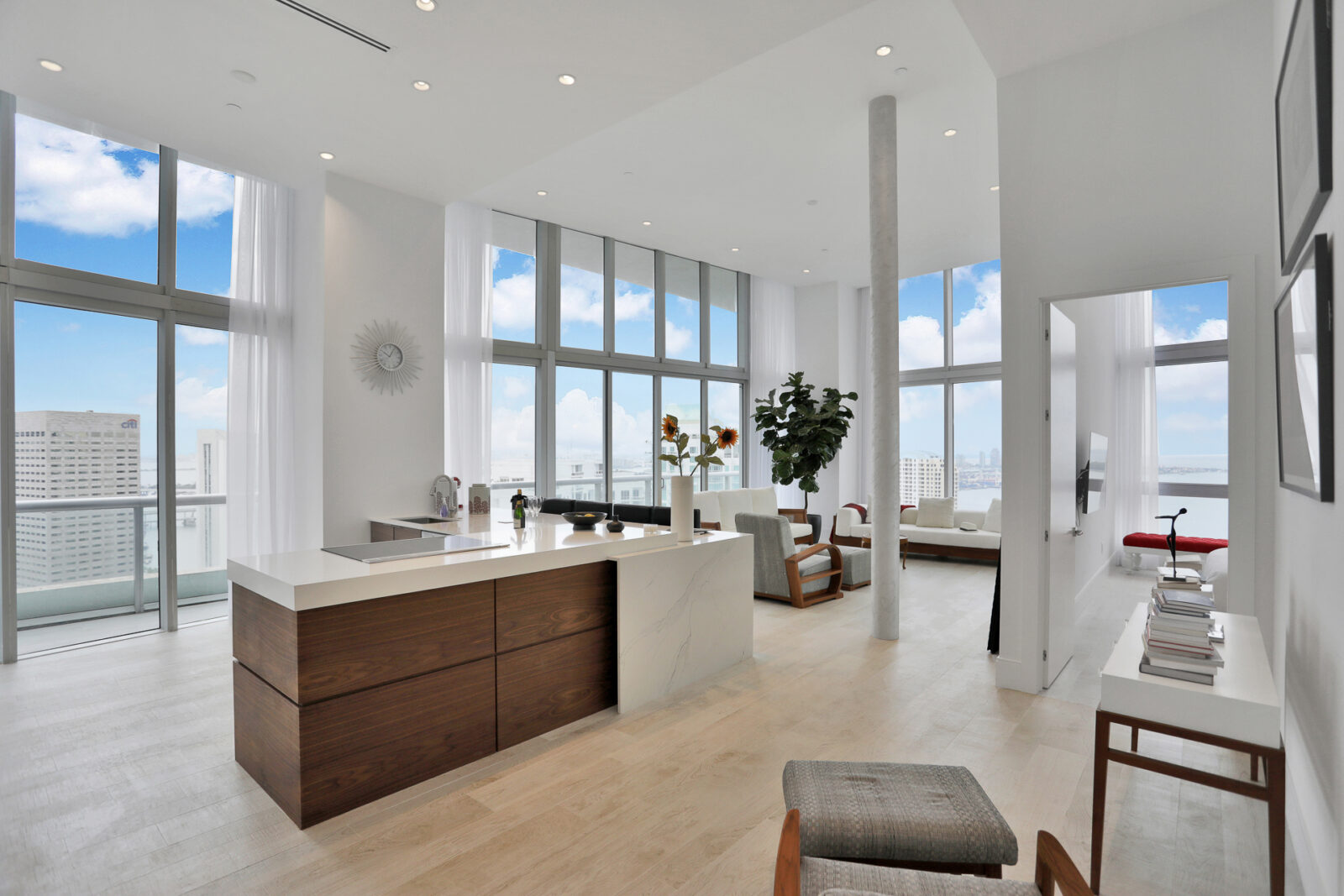 gut renovated 2 bedroom condo at Icon Brickell