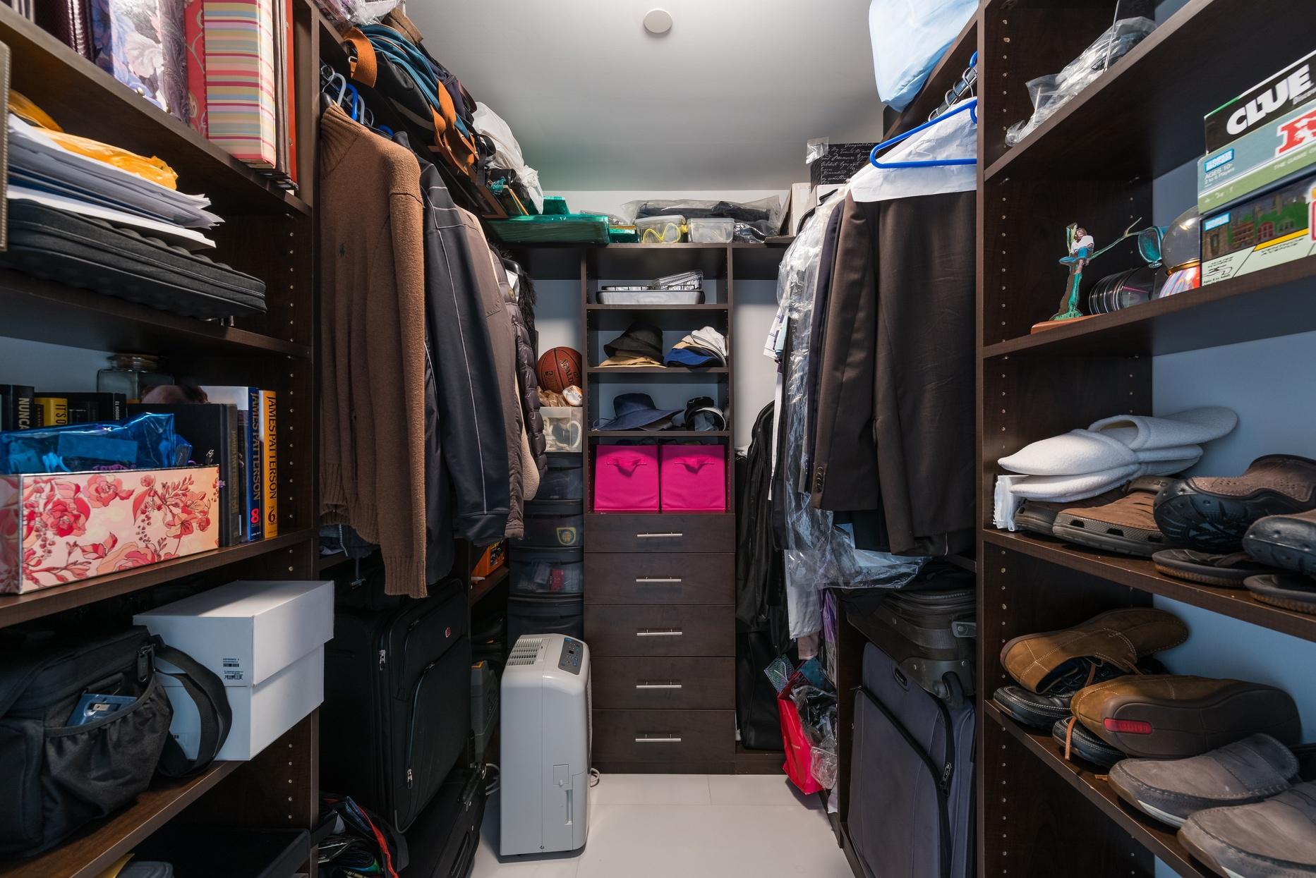 third bedroom walk-in closet