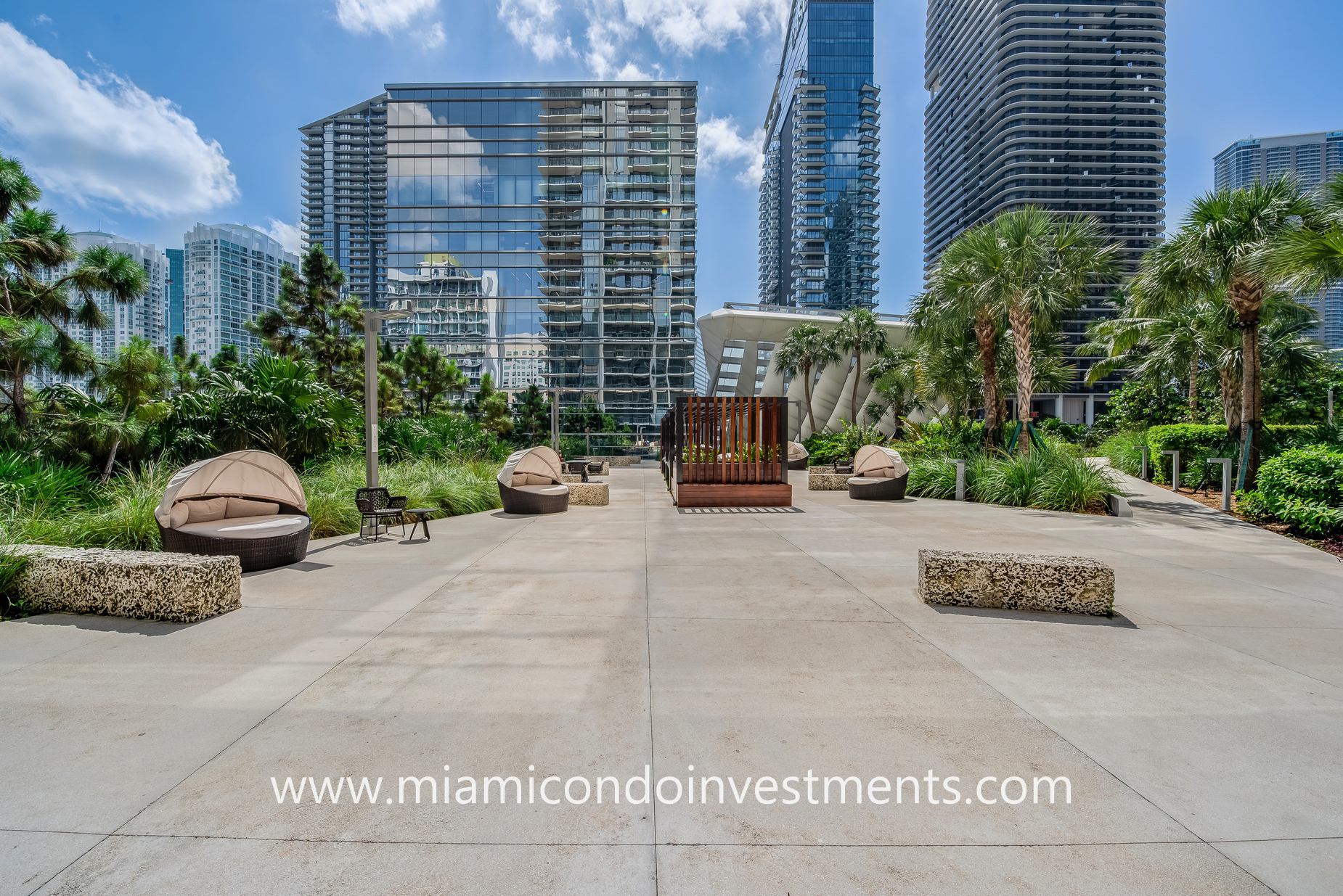 pool deck at Rise Brickell City Centre