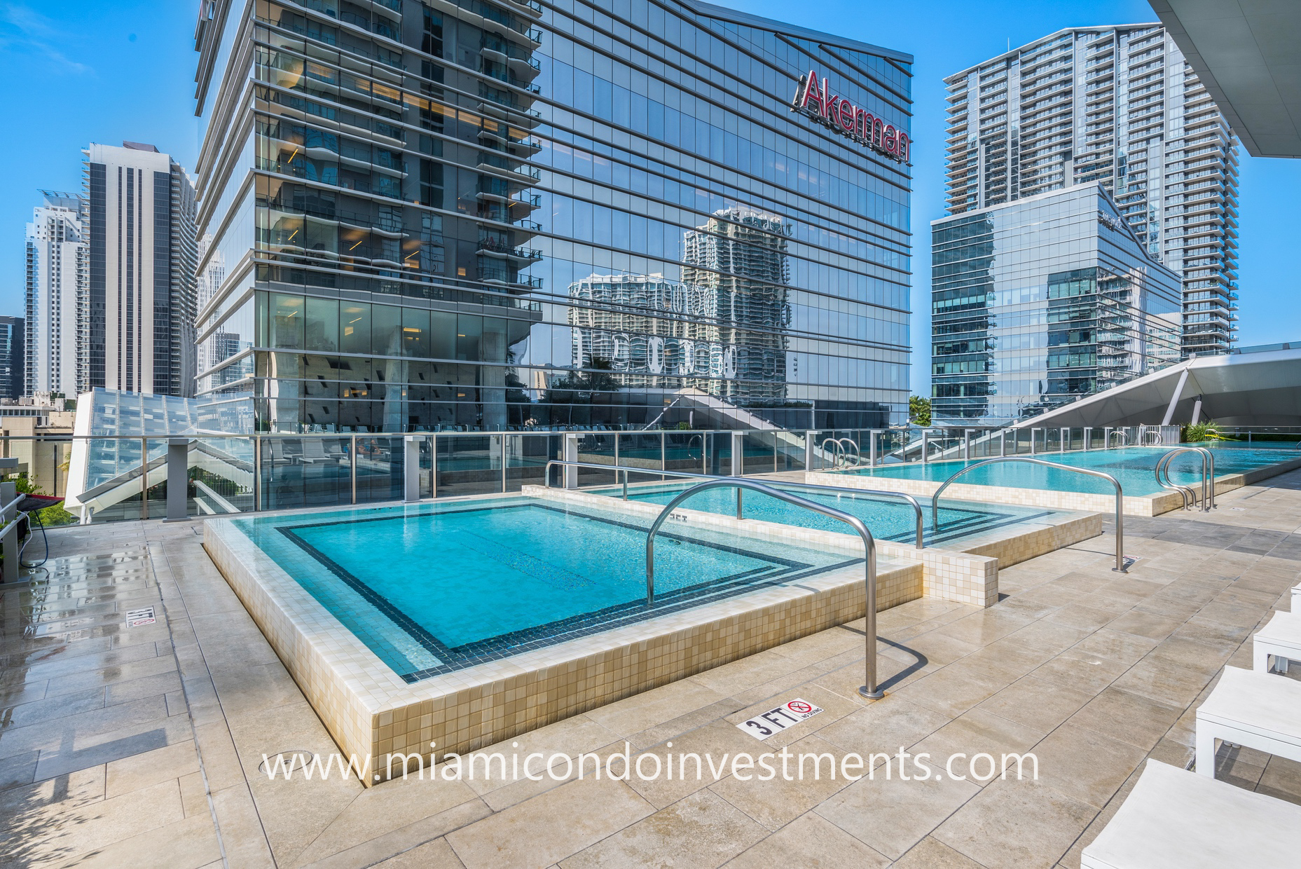 hot tubs at Reach Brickell City Centre