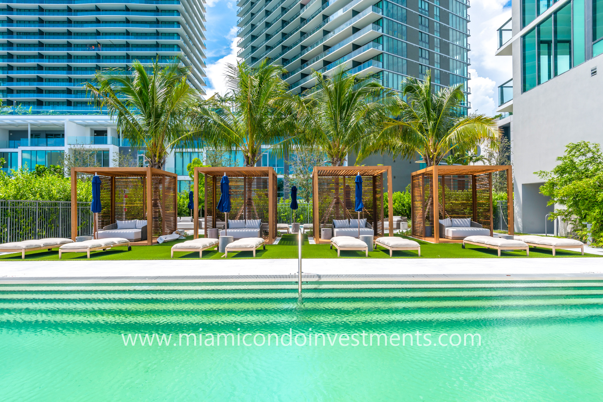 One Paraiso ground floor pool and cabanas