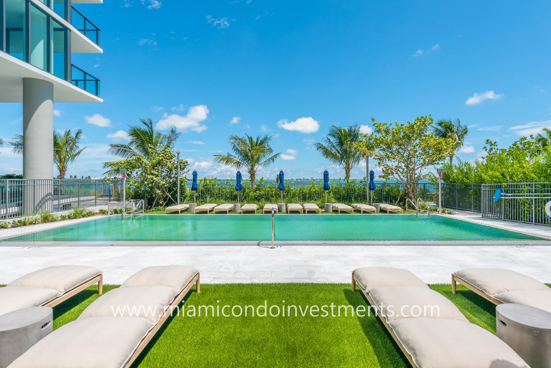bayfront pool at One Paraiso