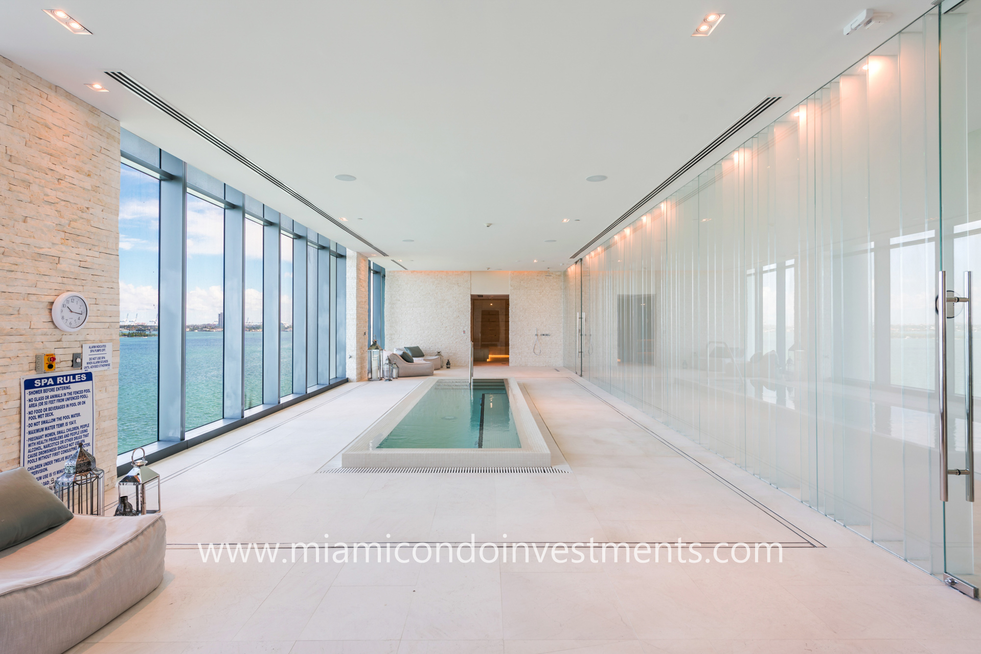 One Paraiso spa with plunge pool