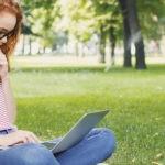 Encuesta: 1 de cada 4 estadounidenses dice que los estudiantes tienen la culpa de la crisis de la deuda