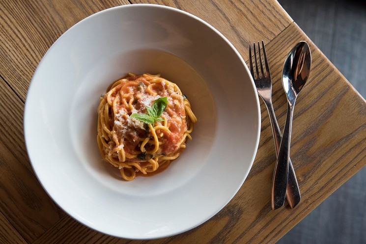 Spaghetti pomodoro en Macchialina.