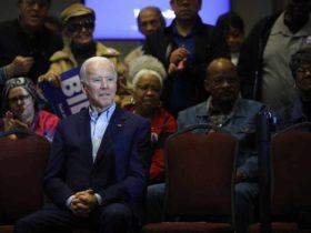 Por qué Biden necesita 'un milagro político' para mantenerse en la carrera