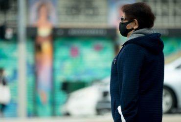 El alcalde de la ciudad de Miami ahora exige que los trabajadores de restaurantes y conductores de reparto usen máscaras faciales
