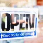 Casi la mitad de los propietarios de pequeñas empresas dicen que los cambios que hicieron durante la pandemia están aquí para quedarse (video)
