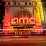 Los ingresos de AMC se desploman en más del 90 por ciento mientras los cines permanecen vacíos