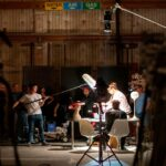 Los sindicatos de la industria del entretenimiento piden que se detenga la producción en medio del aumento del