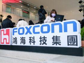 El proveedor de Apple Foxconn advierte que la escasez de componentes durará hasta 2022