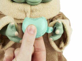 Grogu nunca deja de comer y ahora hay un juguete para satisfacer su apetito
