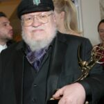 HBO le da a George RR Martin un trato de ocho cifras para mantener A Song of Ice and Fire en hielo