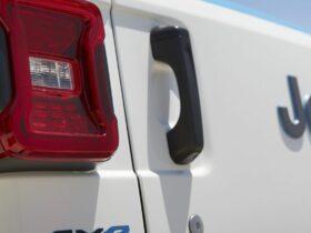 Jeep planea instalar estaciones de carga para vehículos eléctricos en los inicios de senderos todoterreno de EE. UU. Durante el próximo año