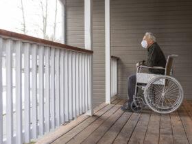 Los casos de covid se desploman en un 83% entre el personal de los asilos de ancianos a pesar de la vacilación de las vacunas
